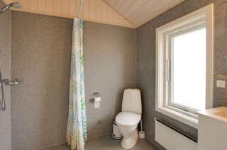 Toilet & bad